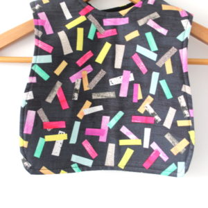 medium confetti print bib