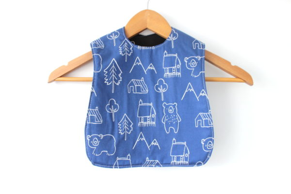 medium mountain bear bib