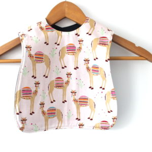 medium camel print bib
