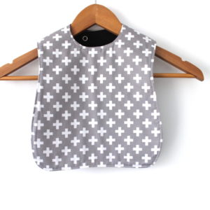 medium grey w white cross bib